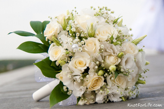 White wedding flowers 17 desktop wallpaper hdflowerwallpaper white wedding flowers free wallpaper mightylinksfo